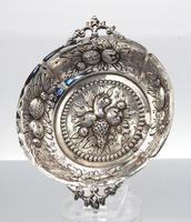 Small Victorian Silver Strawberry Dish - London 1886 (3 of 4)