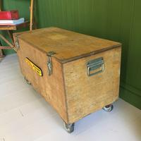 VINTAGE Industrial CHEST Coffee Table Mid Century Old Wooden TRUNK Retro Storage Box + Castors (6 of 12)