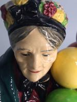 Royal Doulton Figurine - The Old Balloon Seller (6 of 7)