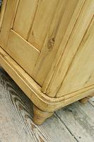 Exceptional Quality Pair of Old Stripped Pine Bedside Cabinets (6 of 9)