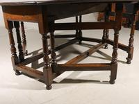 Good & Unusual Early 18th Century 8 Seater Gateleg Table (5 of 7)
