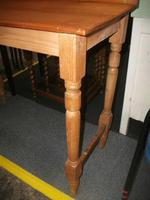 Pine Side Table - 021-1331 (2 of 2)