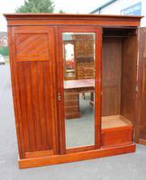 1920s Large 3 Door Mirrored Walnut Wardrobe (3 of 4)