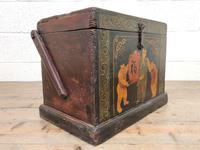 Small Chinese Painted Box (6 of 8)