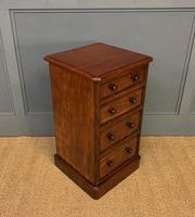 Pair of Victorian Mahogany Bedside Chests (16 of 16)