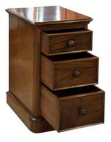 Pair of Victorian Mahogany Bedside Cabinets (3 of 7)