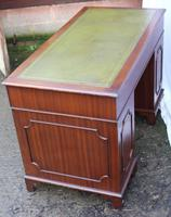 1960's Mahogany Pedestal Desk with Green Leather Inset (4 of 4)