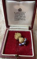 9ct Gold Regimental Brooch made by Garrard & Co (2 of 4)