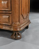 Rare Early 18th Century Franco-Flemish Oak Serpentine Fronted Commode (4 of 11)
