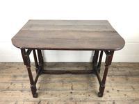 Early 18th Century Oak Gateleg Table (3 of 11)