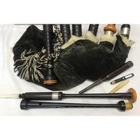 McCallum Bagpipes, Chanter & Mouthpieces, Nickel Mounts, Travel Carry Box (2 of 3)