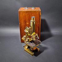 Brass Microscope by R & J Beck Ltd (5 of 7)