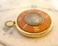Vintage Pocket Watch Chain Compass Fob 1950s Tan Leather & Gilt Drum Case Fob FWO (8 of 9)