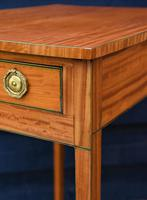 Superb Quality Georgian Satinwood & Inlaid Lamp / Wine / Side Table with Drawer (5 of 10)