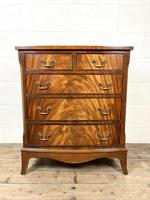 Small 20th Century Walnut Chest of Drawers (2 of 10)