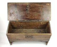 Small 17th Century Oak Plank Coffer (4 of 6)