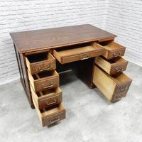 Oak Pedestal Desk (3 of 9)