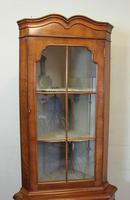 Walnut Corner Cabinet, Queen Anne Style (7 of 8)