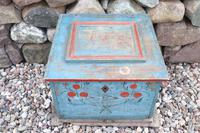 Swedish 'folk art' original blue paint box from hälsingland region, 1847. (13 of 26)