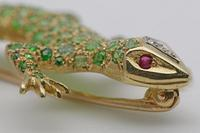 19ct Gold Demantoid Garnet Salamander Brooch (5 of 6)
