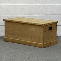 Old Pine Box (3 of 4)