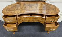 Queen Anne Burr Walnut Kidney Dressing Table (4 of 17)