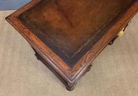 Good Carved Oak Pedestal Desk (14 of 18)