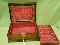 QUALITY Inlaid Rosewood & Amboyna Jewellery – Work Box. c1840 (8 of 16)