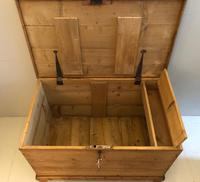 Very Early Victorian Pine Blanket Chest (3 of 6)