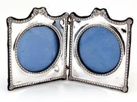 Decorative Edwardian Silver Double Folding Frame with a Floral and Bow Border (4 of 7)