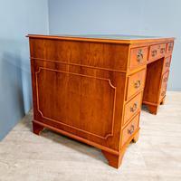 Yew Wood Effect Pedestal Desk (4 of 9)