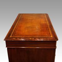 Victorian Mahogany Pedestal Desk (8 of 11)