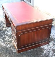 1960s Large Mahogany Pedestal Desk with Red Leather Top inset (2 of 4)