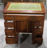 1960's Mahogany Knee Hole Desk with Green Leather Top (4 of 4)