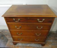 Small Early 20th Century Mahogany Chest of Drawers (10 of 10)