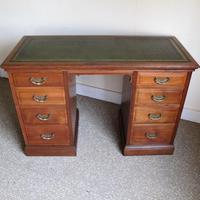 Walnut Kneehole Writing Desk - Edwardian c.1910 (2 of 8)