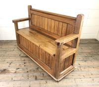 Pitch Pine and Oak Settle Bench with Storage (M-1522) (10 of 10)