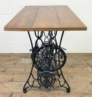 Singer Sewing Machine Treadle Table (7 of 10)