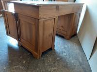 Pine Knee Hole Desk (3 of 6)