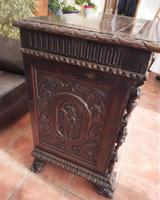 Carved Italian Walnut Chest of Drawers 5 Drawers 1760 (4 of 10)