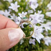 Vintage 18ct Gold Emerald & Diamond Cluster Ring (5 of 11)