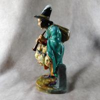 "Royal Doulton ""The Mask Seller"" HN2103 Figurine (5 of 9)"