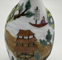 Vintage 20th Century Porcelain Hand Painted Chinese Snuff Bottle (4 of 5)