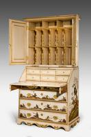 Early 18th Century German Bureau Cabinet (3 of 7)