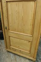 Fabulous Large Old Pine One Door Cupboard - Linen/Food/Kitchen/Larger/Wardrobe - We Del;iver! (7 of 11)