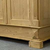 Antique Continental pine double wardrobe 'dismantles' (4 of 6)