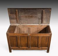 Early 18th Century Oak Kist the Interior with a Fitted Candle Box (3 of 5)