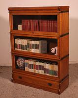 Globe Wernicke Oak Bookcase of Three Elements (5 of 12)