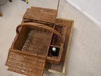 Large Wicker Picnic Basket (3 of 4)