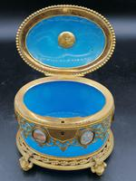 Exclusive Large Box / Box in Blue Opaline Glass with Miniatures from Paris / Palais-Royal (7 of 7)